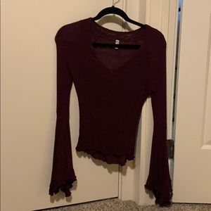 Winged arm fitted blouse